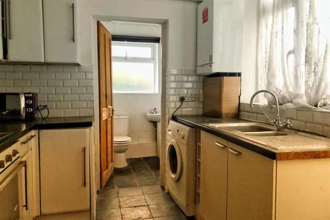 4 bedroom terraced house to rent - Carlton Road - Walthamstow!