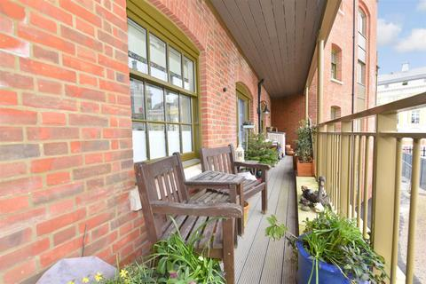 2 bedroom apartment for sale - Bowes Lyon Court, Poundbury, Dorchester