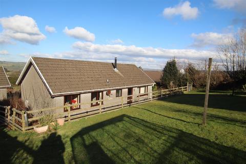 4 bedroom detached bungalow for sale - Gorlan, Llanllwni, Pencader