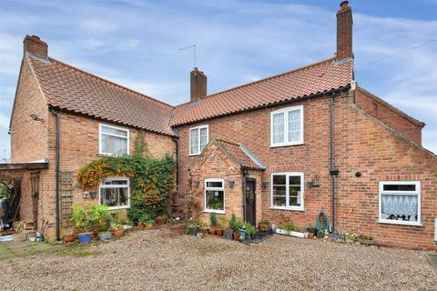 4 bedroom cottage for sale - Dykes End, Collingham