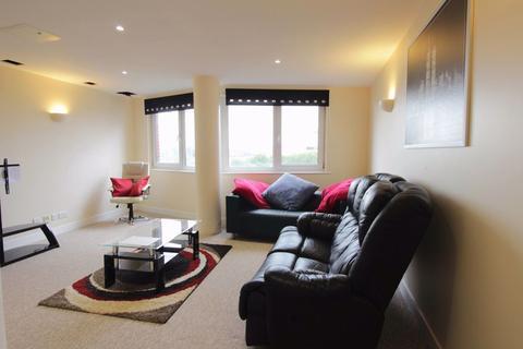 2 bedroom flat to rent - New Atlas Wharf, Westferry Road