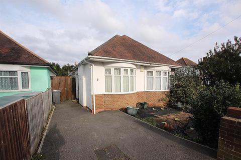4 bedroom detached bungalow for sale - Townsville Road, Bournemouth