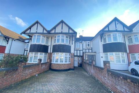 4 bedroom house to rent - Pasteur Gardens, London