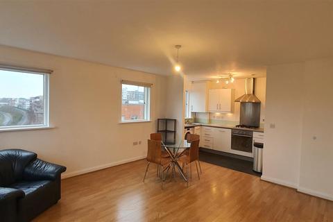 2 bedroom flat for sale - Du Cane Road, London, W12