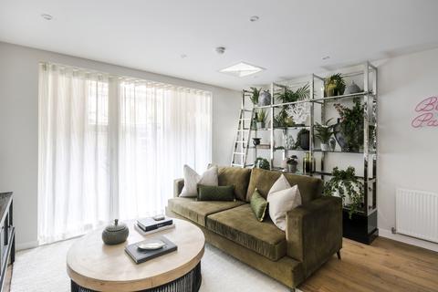 3 bedroom apartment for sale - Plot 282, Type BP40 at Beckton Parkside, Viking Gardens, Beckton E6