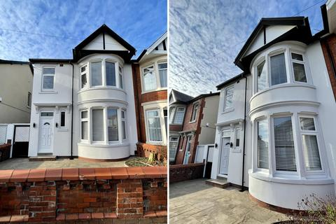 3 bedroom semi-detached house for sale - Second Avenue, South Shore, Blackpool, FY4 2EX