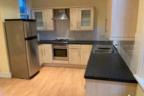 3 bedroom flat to rent - Pennard road , Hammersmith and Fulham , London, w12