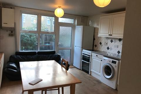 4 bedroom house to rent - Crosby Walk, Dalston, E8