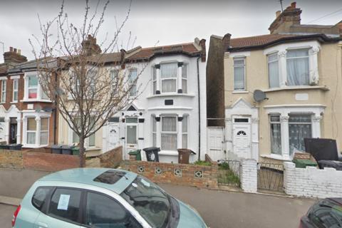 5 bedroom semi-detached house to rent - Tavistock Avenue, Walthamstow, London E17