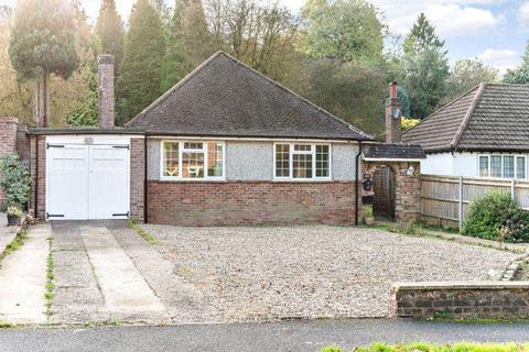 3 bedroom detached bungalow for sale - Caterham Drive, CR5