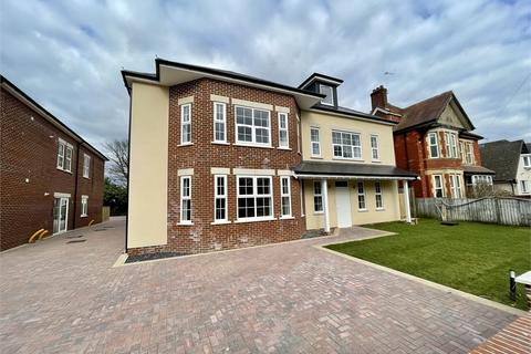 2 bedroom flat for sale - St Albans Avenue, Queens Park, Bournemouth