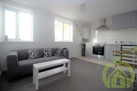 2 bedroom apartment to rent - Snowdrop Path, ROMFORD