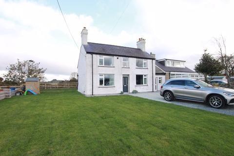 3 bedroom semi-detached house for sale - Llanrug, Gwynedd