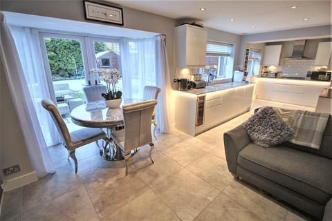 3 bedroom semi-detached house for sale - Elmtree Road, Streetly, Sutton Coldfield