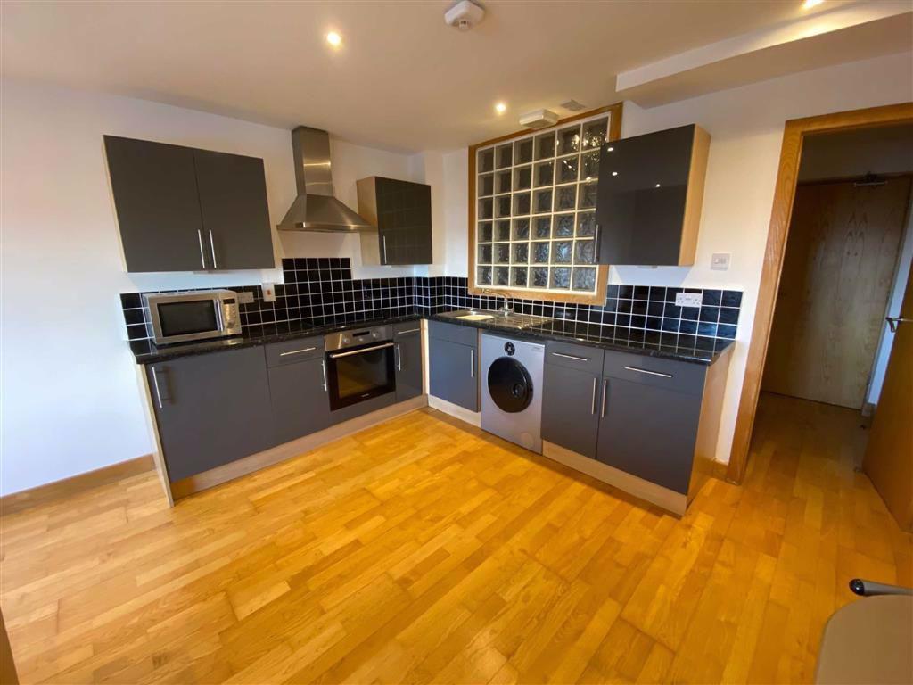 Living Kitchen:
