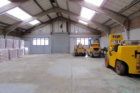 Property to rent - Elms Industrial Estate, Church Road