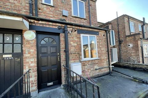 3 bedroom flat to rent - High Street, Walthamstow