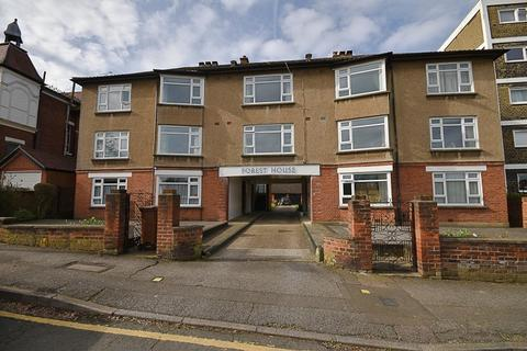 2 bedroom flat to rent - Forest House, 5 Crescent Road, North Chingford, London. E4 6AY