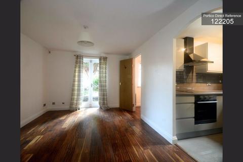 3 bedroom flat to rent - Southerngate Way, Lewisham, London, SE14