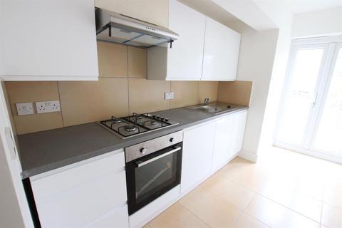 3 bedroom terraced house to rent - 4 Hendon Road, N9