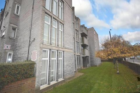 2 bedroom apartment to rent - Bedwell Court, Broomfield Road, Romford, Essex, RM6