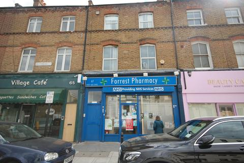 Studio to rent - Blythe Road, West Kensington W14