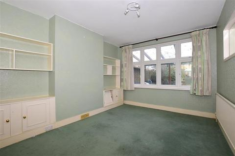 3 bedroom terraced house for sale - Southern Avenue, London