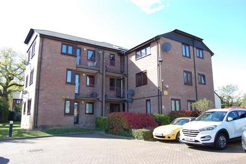 2 bedroom apartment to rent - Cedar Close, Buckhurst Hill, IG9