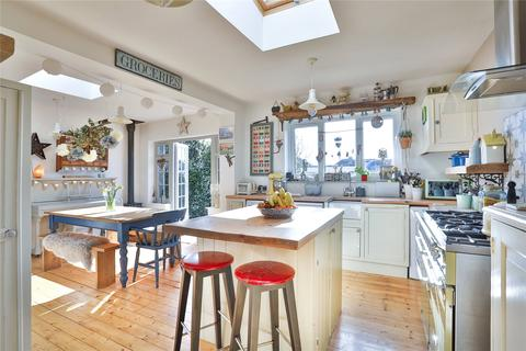 3 bedroom bungalow for sale - Chrisdory Road, Portslade, East Sussex, BN41