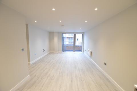 2 bedroom apartment to rent - Petersfield Avenue, Slough