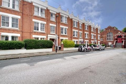 2 bedroom apartment to rent - Hargrave Road N19