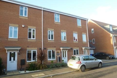 4 bedroom townhouse to rent - Balata Way, Horninglow, Burton DE13 0TY