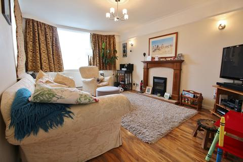 3 bedroom semi-detached bungalow to rent - Hazlewood Close, Leckhampton, Cheltenham
