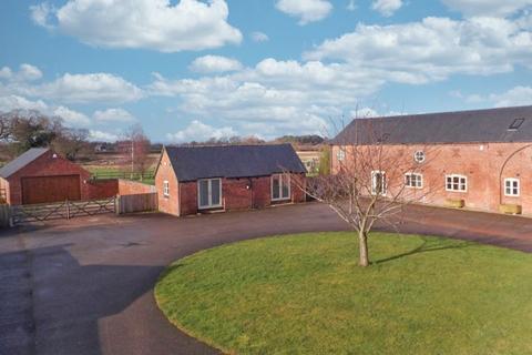 5 bedroom barn conversion to rent - Den Lane, Nantwich