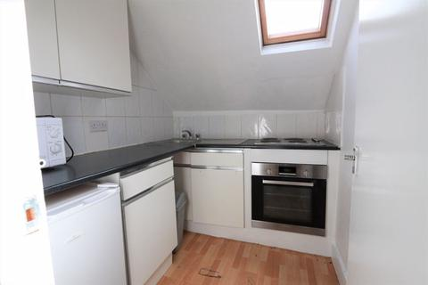 Studio to rent - Green Lanes, Turnpike Lane N15