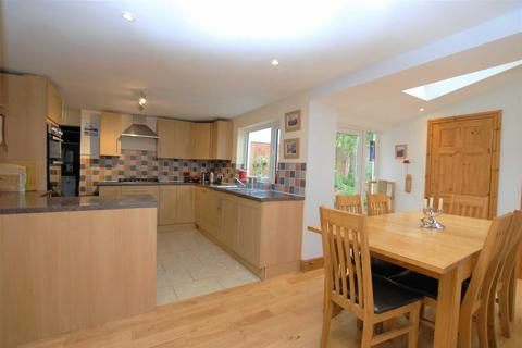 3 bedroom end of terrace house for sale - Windsor Street, Pittville