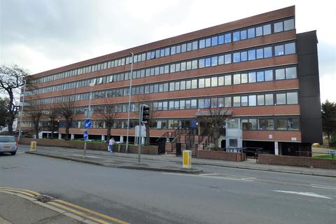 Office to rent - New Road, Gravesend, Kent