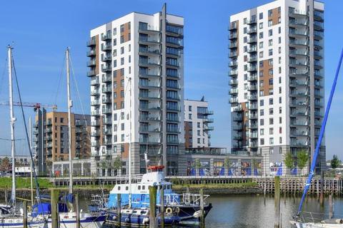 Property to rent - Victory Pier, Gillingham, Kent