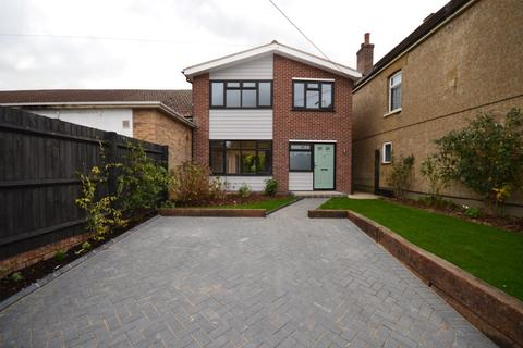3 bedroom detached house for sale - Beehive Lane, Chelmsford, CM2