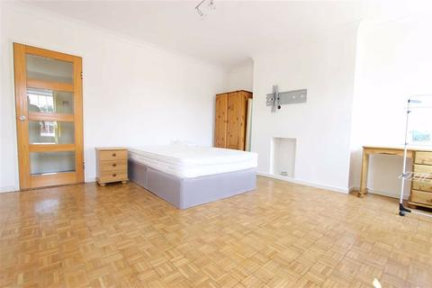 3 bedroom flat to rent - London Road, London