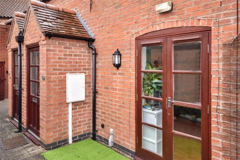 1 bedroom terraced house for sale - Balderton Gate, Newark
