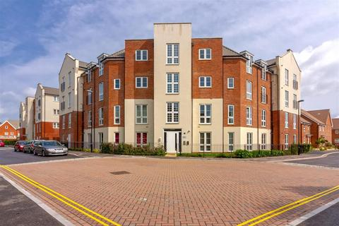 2 bedroom apartment for sale - Cambrian Way, Worthing