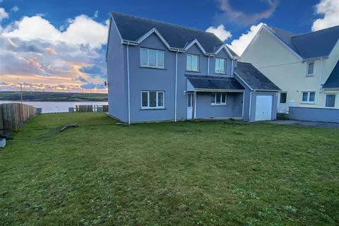 3 bedroom detached house for sale - Pennar Point