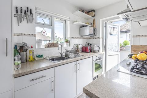 2 bedroom maisonette to rent - Grove Close Kingston Upon Thames KT1