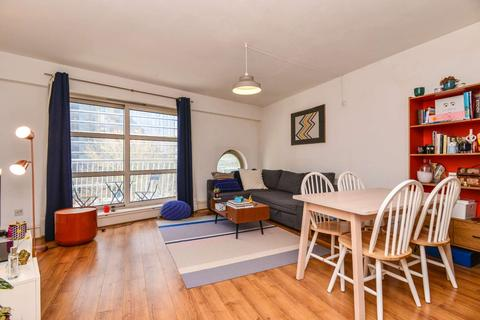 2 bedroom flat for sale - 4 Westferry Road,, Canary Wharf, London
