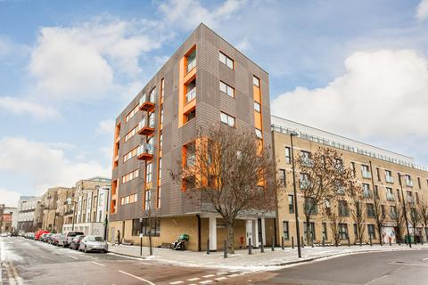 1 bedroom flat to rent - Park View Court, E3