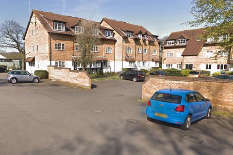 2 bedroom flat to rent - Boleyn Way, Barnet EN5