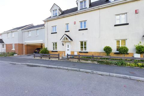 4 bedroom townhouse for sale - Lakeside Way, Nantyglo, Gwent, NP23