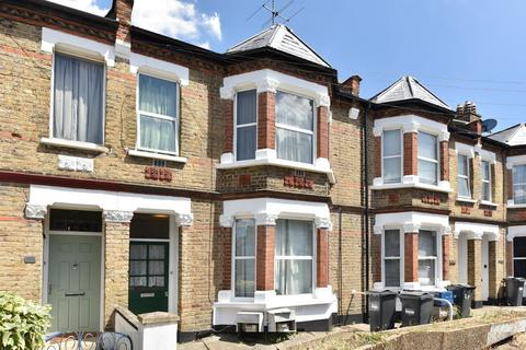 1 bedroom flat for sale - Eastbury Grove, Chiswick