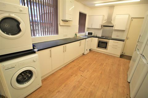 6 bedroom house share to rent - Great Cheetham Street West, Salford M7